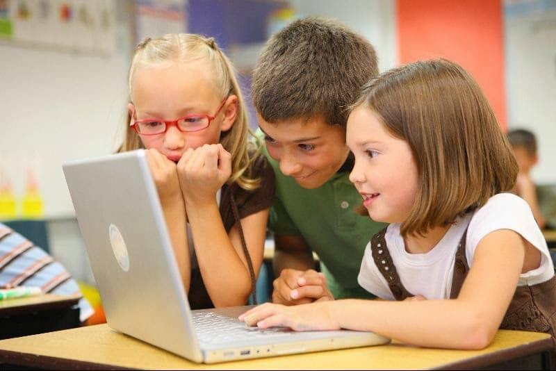 bambini-internet-comunicazione